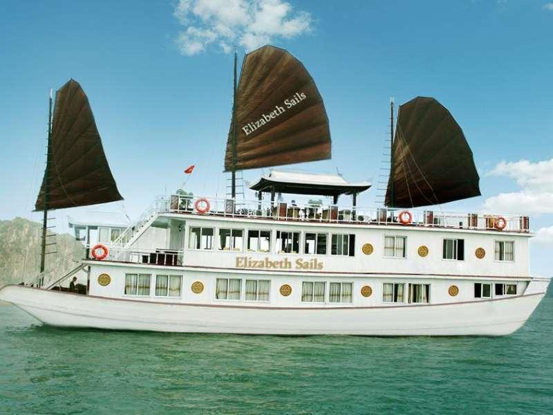 tour ha long ngu thuyền